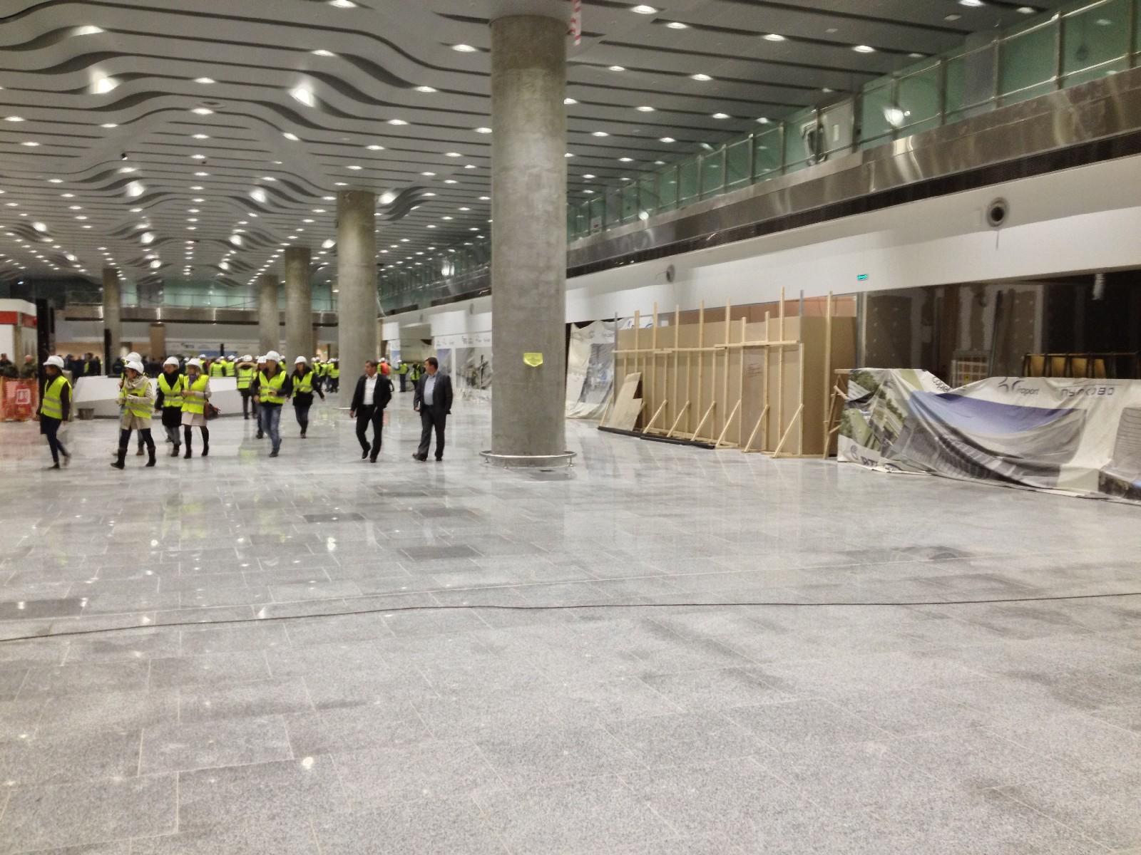 Первый этаж будущего терминала стал значительно чище