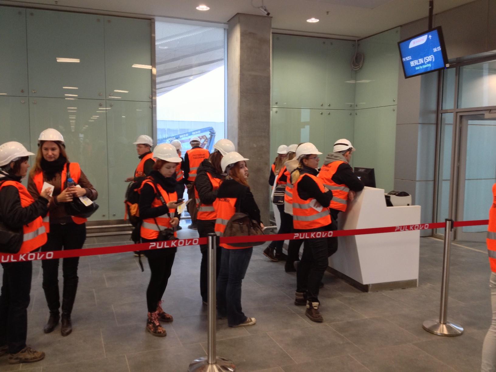 Ожидание у выхода на посадку нового терминала Пулково (Пулково 3)